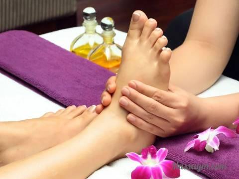 Эротический массаж ног женщине