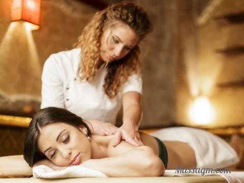 Эротический массаж молодой массажистки